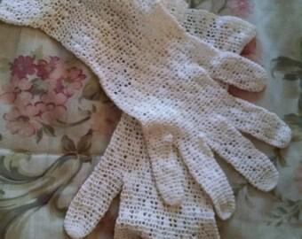 White Crocheted Gloves
