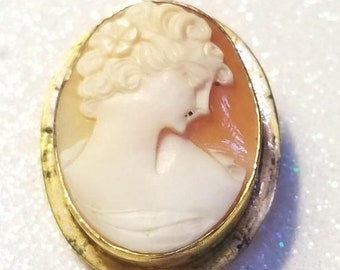 ON SALE  : Vintage 12K Gold Filled Cameo Pendant Pin Brooch Needs Cleaned