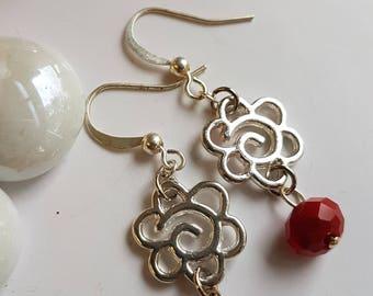 Boucles d'oreilles fleurs rouges, rouge Boucles d'oreilles, boucles d'oreilles fleur argent