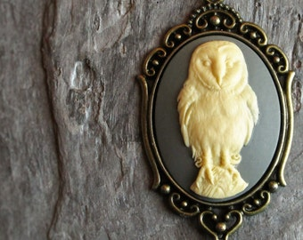 Owl cameo necklace, bird necklace, grey cameo necklace, long necklace, owl jewelry, antique brass necklace, unique holiday gift ideas