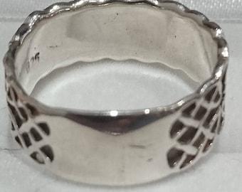 Vintage sterling silver band ring celtic design