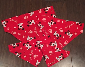 "Valentines Day ""I woof you"" Over the Collar Bandana"