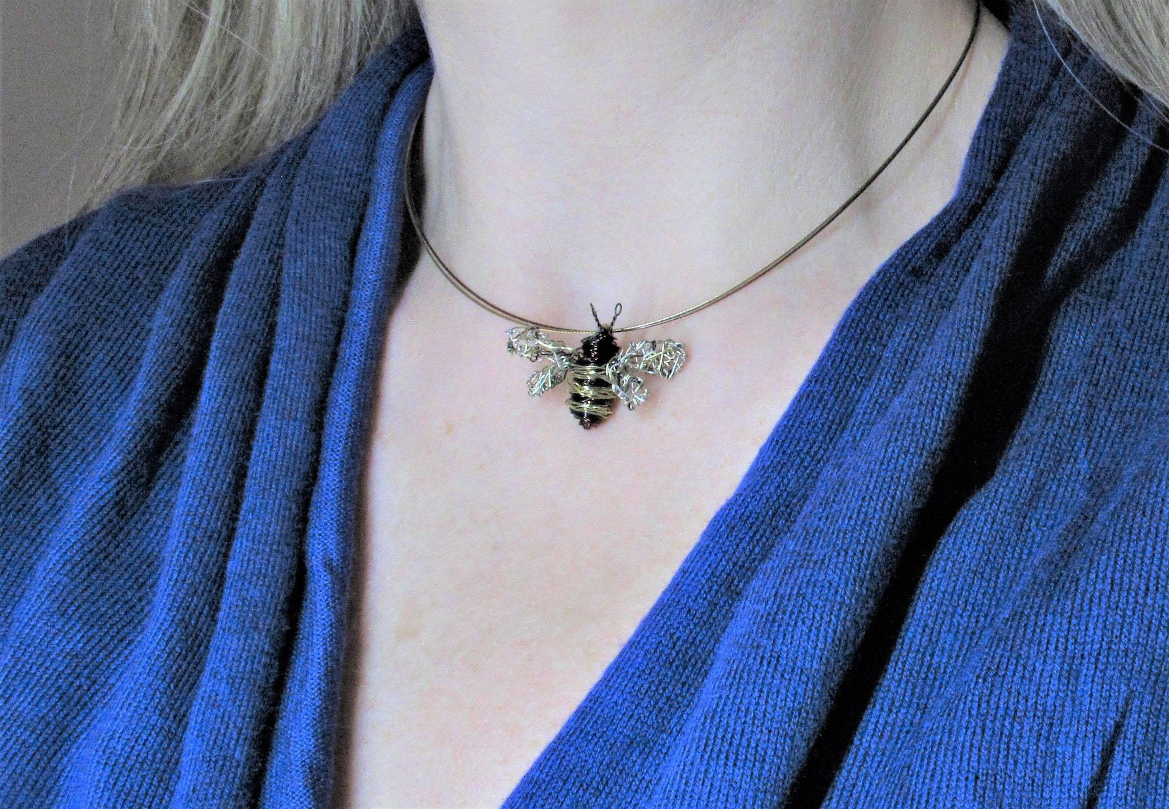 Bee necklace, bee pendant, wire sculpture, Insect art jewelry, boho ...