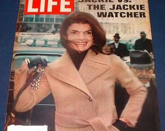 Vintage Life Magazine March 31 1972 Front Cover Jackie Kennedy Onasis Jackie vs The  Jackie Watcher