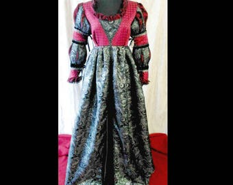 READY to WEAR Italian Renaissance-Juliet-Everafter-Borgia- Gown Dress Costume, Size Large, Bust 38-40""