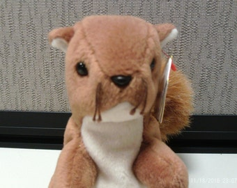 Ty Beanie Baby Nuts the Squirrel, free U.S. Shipping