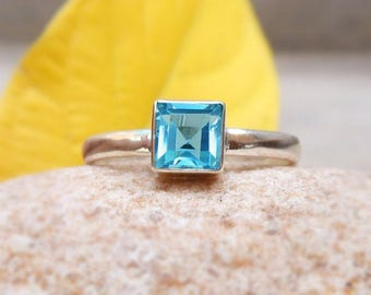 Londan Blue Topaz Ring Square Ring Blue Topaz Gemstone Ring Stacking Ring Blue stone Ring Birthday Gift Ring for Her Silver Jewelry