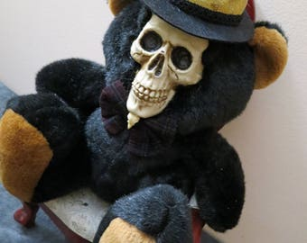 OOAK-Gothic-Zombie-Undead-Vampire-Creepy--Horror-Hand-Painted-Porcelain-Doll-Deady Bear6