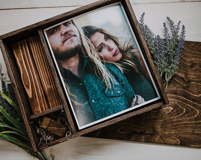 8x10x3.5 - Wood print box with photo stand and space for usb + 8x10 prints - (spanish moss included)