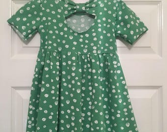 Beautiful organic cotton dress with bow at back
