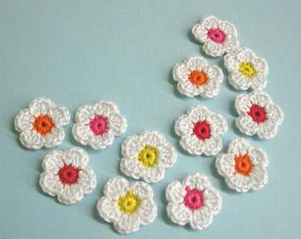 Crochet flower appliques tiny patches, 12 pc., white 1 inch