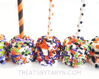 HALLOWEEN chocolate covered marshmallows. Marshmallows. Halloween treats. Candy corn lover. Halloween favors. Halloween candy. Marshmallows