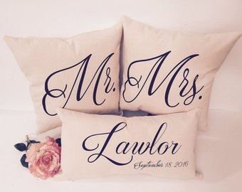 Mr and Mrs Pillow Set | Personalized Pillows | Wedding Gift | Anniversary Gift | Bridal Shower Gift | Cotton Anniverary |  Wedding Decor