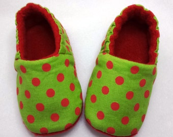 Ready to ship,Polka Dot,Christmas Baby Shoes, Soft Sole Baby Shoes,Baby Booties,Red and Green slippers, Christmas slippers
