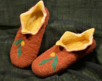 Felted natural wool clogs slippers, women, EU-40/US-8,5
