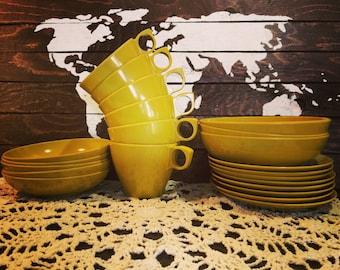 22 Pieces of Vintage Maplex Melamine Dinnerware in Goldenrod