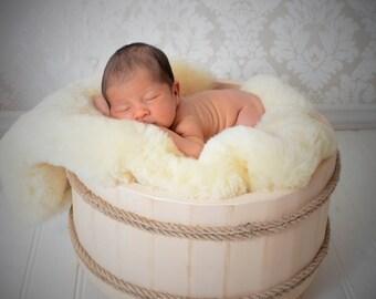 """Genuine """"Baby Safe"""" Sheepskin Shearling Cot Blanket Rug for Babies and Infants"""