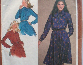 Simplicity 9726 Sewing Pattern - Pullover Dress With Buttoned Bodice and Sash - Size 12, Bust 34 - MISSING POCKET