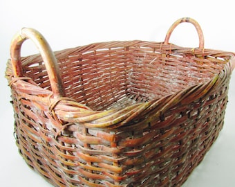 Antique Basket, Wicker Basket, shabby chic decor, wicker basket,  French farmhouse, vintage wicker