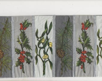 3140 Holly and mistletoe pine branch 3 paper napkins