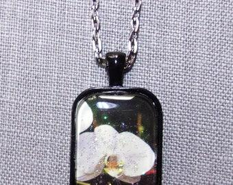 Rectangle cabochon pendant~white orchid