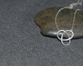 silver celtic knot necklace, sterling silver dainty necklace, minimalist everyday necklace, rustic jewelry, celtic pattern, simple