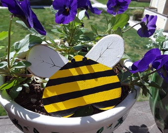Fat-Bottom Bee Magnets