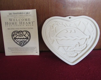 Pampered Chef - Welcome Home Heart Ceramic Mold