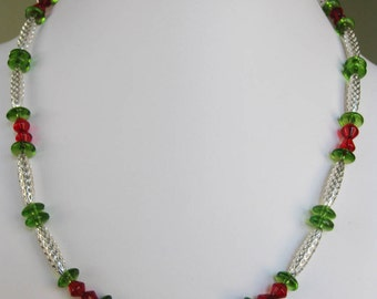 Red & Green Open Weave Oval Necklace