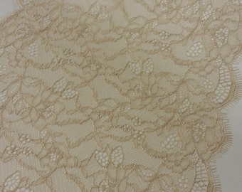 Beige lace Trimming Chantilly Lace, French Lace, Bridal lace Wedding Lace White Lace Veil lace Scalloped Eyelash lace Lingerie yard L59971