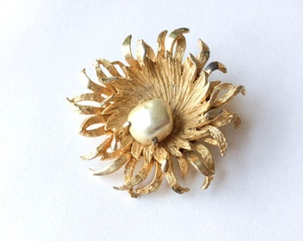 Pearl flower brooch | Benedikt NY gold tone and pearl floral brooch | Gold starburst pin | Gifts for her | Mother's day gift |