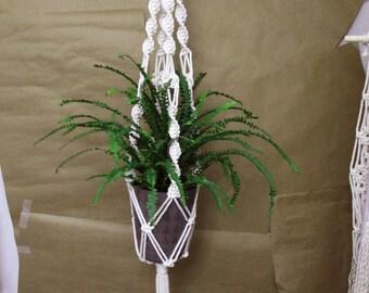 Macrame Plant Hanger / Plant Holder / Plant Hanger