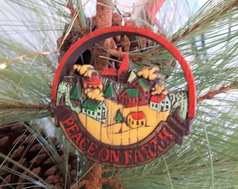 1976 Peace On Earth Hallmark Tree Trimmer Collection Christmas Ornament, Dated 1976