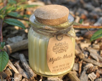 Soy Wax Candles Mystinger musk in glass with cork lid