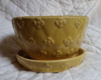 Vintage Shawnee Flower Pot