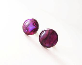 Violet paua shell earrings. Abalone earrings. Purple paua shell. Paua jewelry. Abalone jewelry. Purple earrings. 13mm earrings.