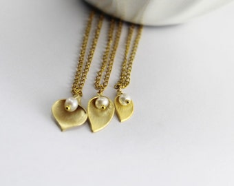 Three Generations necklace set,Gold Calla Lily Necklace , Grandmom.Mother Daughter Neckalce,Initial Flower,,Gold Calla Lily Jewelry