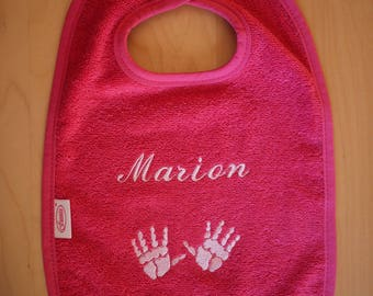 Velcro bib embroidered with name of baby/child