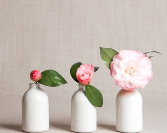READY TO SHIP : White Minimalist Bud Vases // Set of Three
