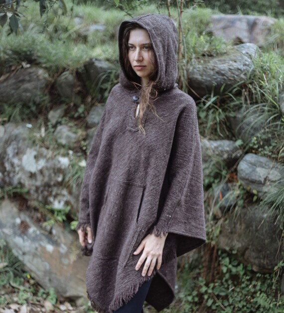 Thick Wool Poncho with Hoodie ~ Unisex ~ Grey i5qVfUQItC