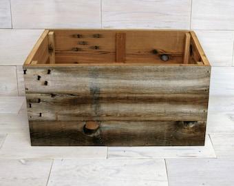"Barn Wood Box 20"" x 16"" x 9"" . . . (aka rustic wood crate, storage crate, man cave bin, farmhouse chic basket with Optional Rope Handles)"