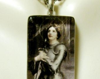 Saint Joan of Arc pendant with chain - GP09-065