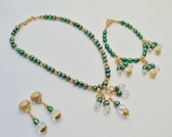 Pearl, Gold and Faceted Glass Jewelry Set