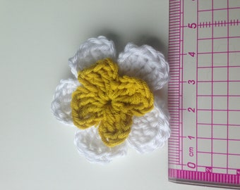 Set of 4 double crochet white flowers and mustard yellow heart
