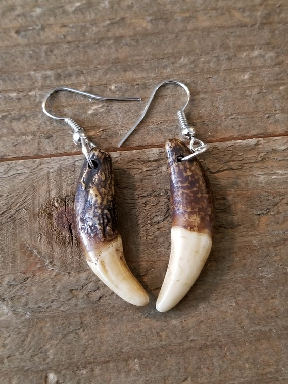 Handmade Real Tibetan Wolf Tooth Silver Earrings Native American Tribal Outdoor Fashion Art Collection (E130)