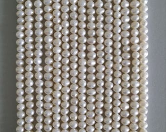 Freshwater Pearl Strands (4mm Round)
