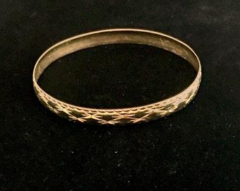 14k gold bangle bracelet (B1)