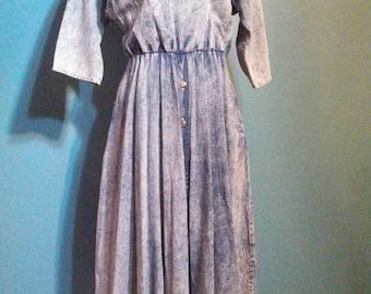 80s Denim dress / acid wash denim / horse face detail / fit and flare skirt / carnivalofFASHION