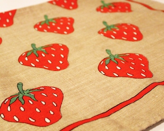 Vintage Printed Kitchen Towel Strawberry Dish towel Excellent Condition