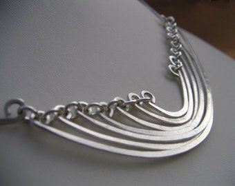 Silver Hammered Wave Necklace Sterling Silver Layered Curved Bar Pendant Scallop Necklace Wire Jewelry Silver Statement